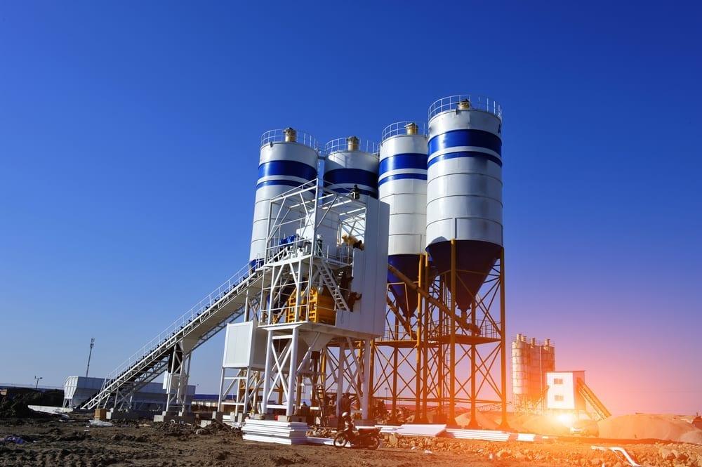 Concrete mixing silo, site construction facilities